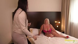 Older cougar british mature seduces lesbian milf for lusty pussy eating showoff