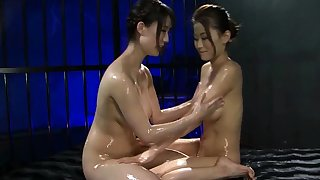 Japanese lesbian babe licking asian pussy
