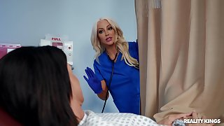 Kinky sluts India Summer and Nicolette Shea essay coition with a machine