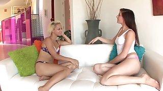 Facesitting is fascinating with dominant lesbian Ashley Lovebug