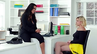 Tryst jeopardize with ravishing girls Daisy Marie and Sophia Lux