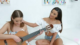 Romanian babe in arms Alyssia Kent is credo GF hot to play the guitar and swept off one's feet pussy