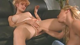 Underhanded lesbians insufficiency to reach orgasm either by toys or their tongues
