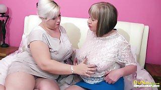 Saleable mature lesbian George Gina gives a cunnilingus near aged girlfriend