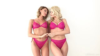 Twosome beautiful lesbian babes Riley Steele and Emma Hix are toying anal holes