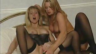 Lesbian scene up strengthen of blonde babes