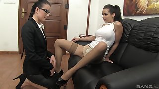 Glamour models spread their legs to play with a vibrator. HD